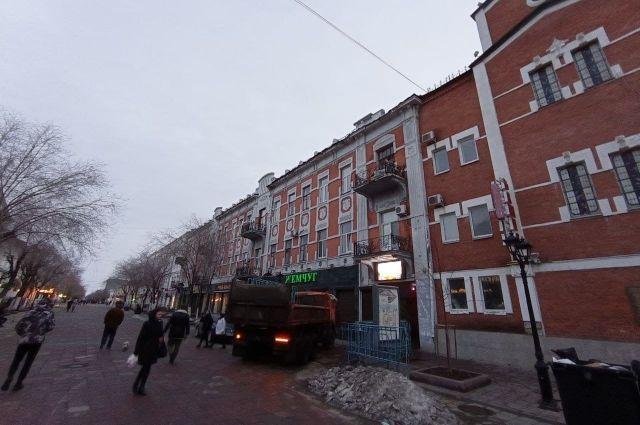 В Оренбурге в ближайшее время разработают проект демонтажа аварийного дома на улице Советской.