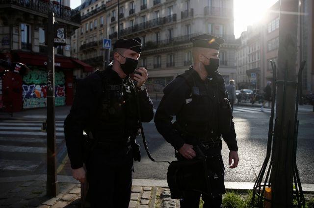 Министров во Франции заподозрили в участии в подпольных вечеринках