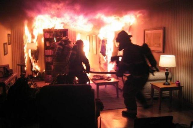 В Запорожье произошел пожар в пятиэтажном доме: есть жертвы.