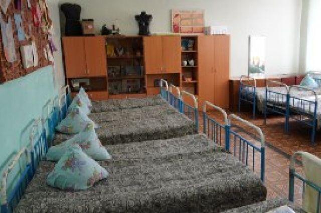 В Оренбурге на базе школы развернут пункт временного размещения населения во время паводка.