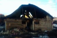 Пожарные два часа тушили возгорание в селе Оренбуржья.