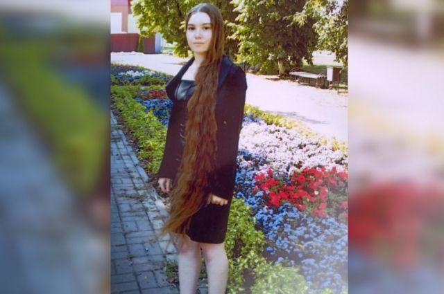 Таня начала отпускать волосы в четвертом классе.