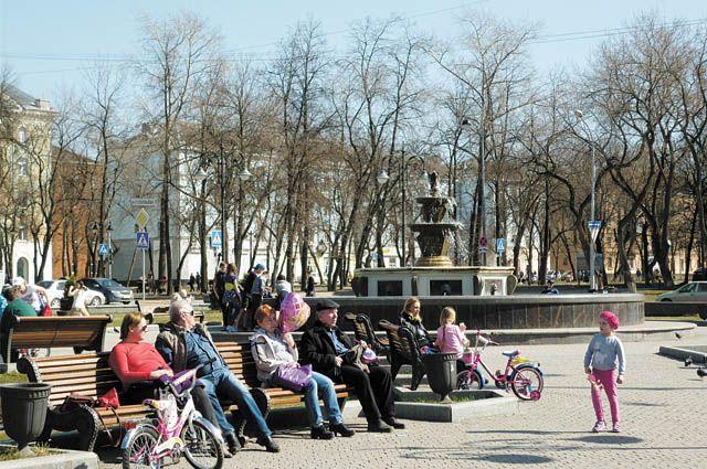 В Перми ежегодно приводят в нормативное состояние существующие парки и скверы, а также обустраивают новые места отдыха горожан.