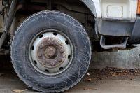 Школьный автобус застрял в Удмуртии на проблемном участке дороги