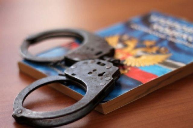На жителя Тюменской области завели уголовное дело за нападение с оружием