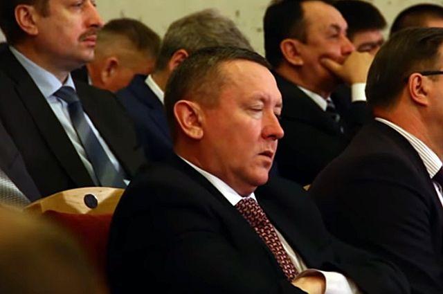 Депутат спит, а срок его полномочий идет.