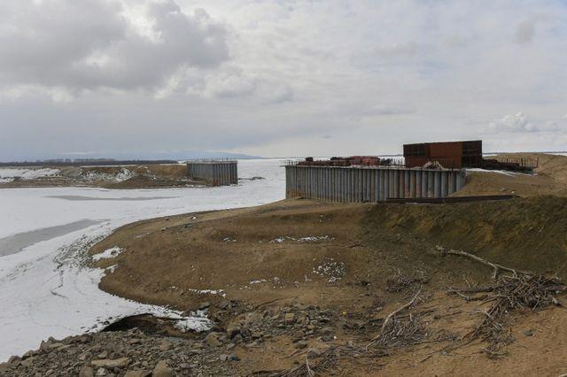 При строительстве дамб в Комсомольске-на-Амуре с подлогом освоены 158 млн