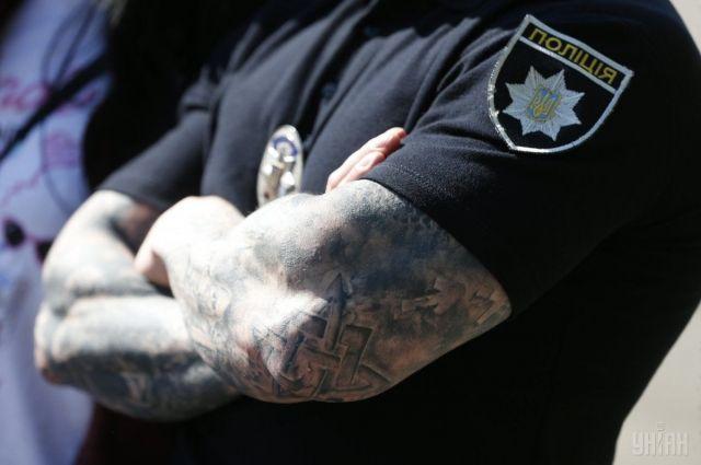 Устроил ДТП и пытался сбежать: полиция открыла стрельбу по авто с водителем