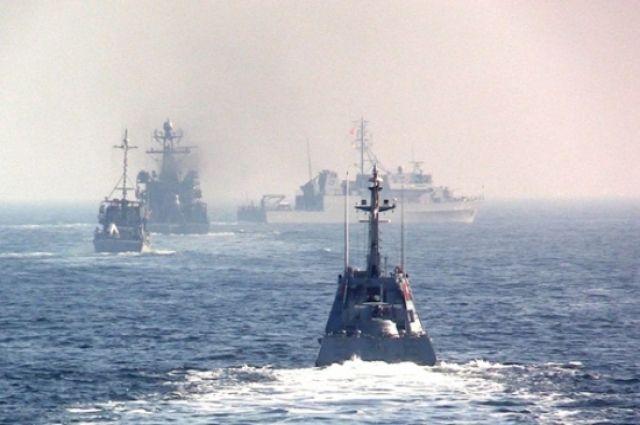 В Украине проходят военно-морские учения в Черном море.