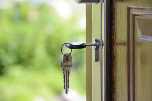 Предприниматель заключил с потерпевшими договоры подряда на строительство домов, но исполнять обязательства не планировал.