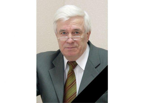 Сегодня, 9 апреля, скончался известный спортивный деятель Новосибирской области Виктор Захаров. Ему было 78 лет.