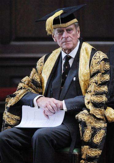 Герцог Эдинбургский, который является ректором Кембриджского университета, посещает службу в Королевском колледже в Кембридже по случаю 800-летия университета. 2009 год.