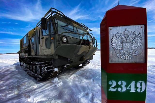 ТМ-140 Курганмашзавода на государственной границе.
