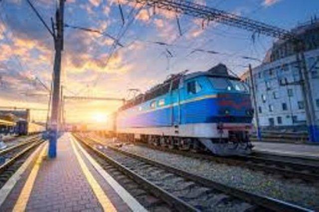Укрзализныця возобновила курсирование поездов в Закарпатскую область.