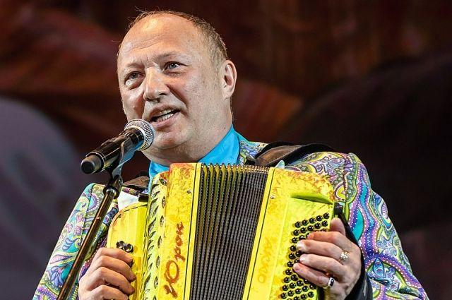 Уже 13 лет Юрий Гальцев является бессменным художественным руководителем Театра Эстрады им. А. Райкина.