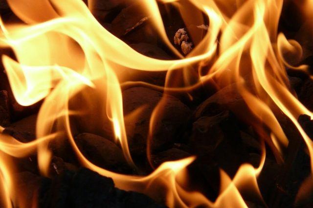 Пожар мог возникнуть из-за поджога