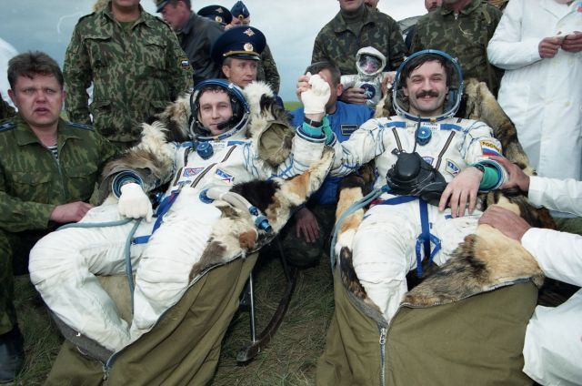 Центр подготовки космонавтов им Гагарина. Залетин на фото слева