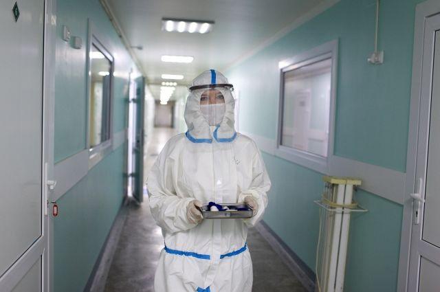 Медики, работавшие с COVID-19, смогут выйти на пенсию раньше