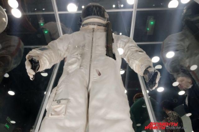 В Оренбурге в юбилейный год 60-летия со дня первого полета человека в космос открылся обновленный музей-квартира семьи Юрия и Валентины Гагариных.