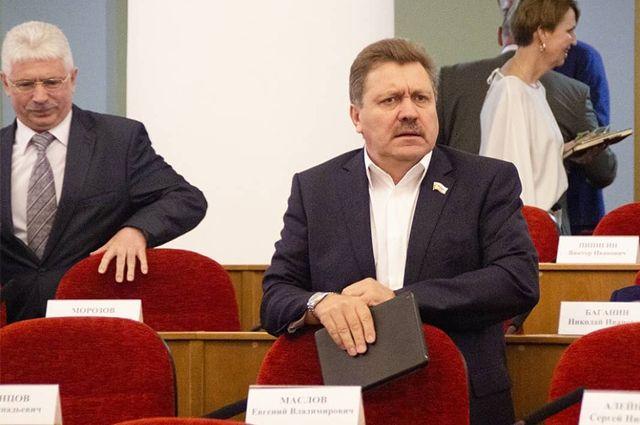 Депутат Законодательного собрания Оренбургской области Евгений Маслов подал заявление о сложении полномочий.