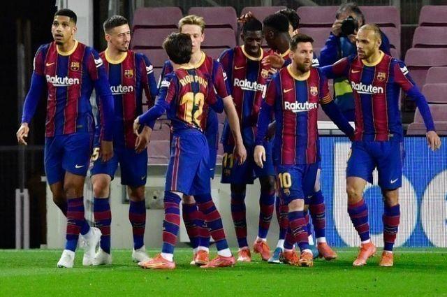 Впервые в истории: «Барселона» возглавила рейтинг самых дорогих клубов