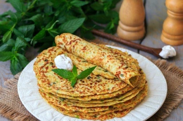 Блины из кабачков с сыром и зеленью: рецепт вкусного завтрака