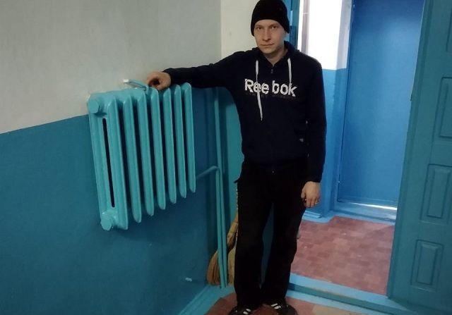 В подъезде Владимира Иванько - одна батарея, в остальных - и этого нет.