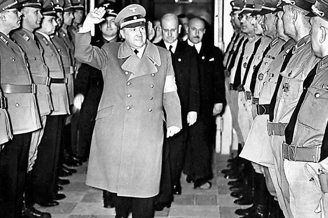 Светская вечеринка министерства экономики Германии, 1939 г. На переднем плане министр экономики Вальтер Функ. Второй справа за ним – вице-президент Рейхсбанка Эмиль Пуль, курировавший передачу золота союзникам.