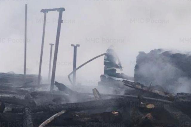Сообщение о возгорании поступило в 2.30 ночи 14 апреля.