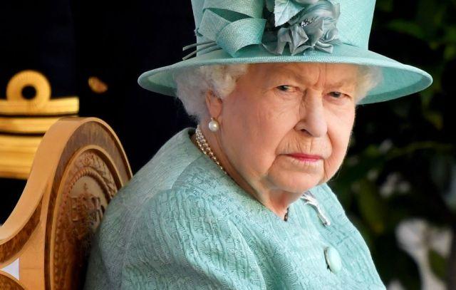 Елизавета II вернулась к рабочим обязанностям через 4 дня после смерти мужа