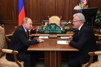 Александр Усс недавно побывал в Москве, но, по данным красноярских СМИ, на прием к президенту не попал.