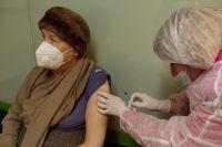 Свыше 120 тысяч оренбуржцев уже прошли вакцинацию от коронавируса.