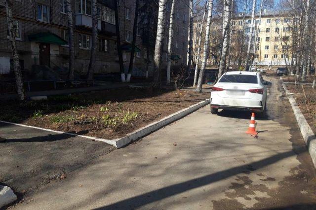В Ижевске 73-летняя пенсионерка попала под колеса иномарки