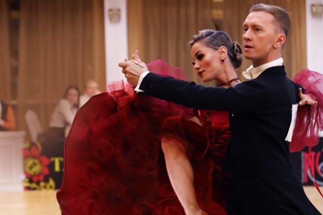 Борис Антипов и Алевтина Шаталова вместе выступают на соревнованиях.