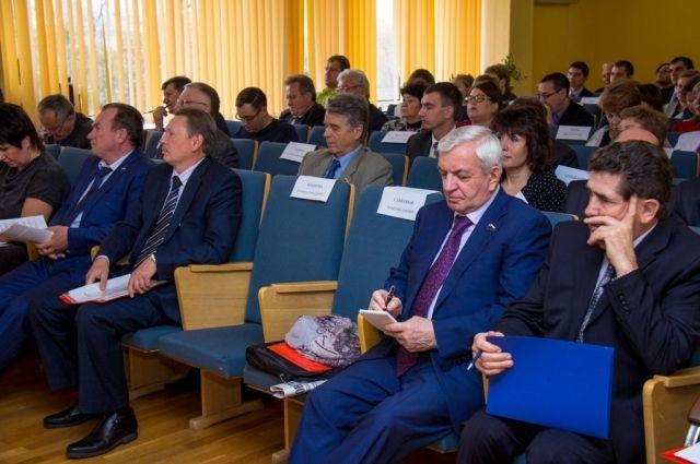 Депутаты Законодательного собрания Оренбургской области отчитались о доходах за 2020 год.
