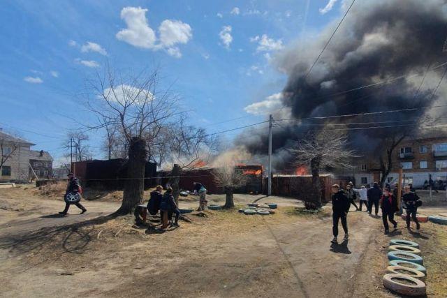 В Тавричанке пожар чуть было не привёл к трагедии.