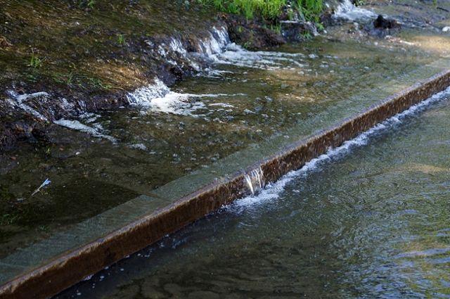 Люди боятся, что вода испортит новые объекты.