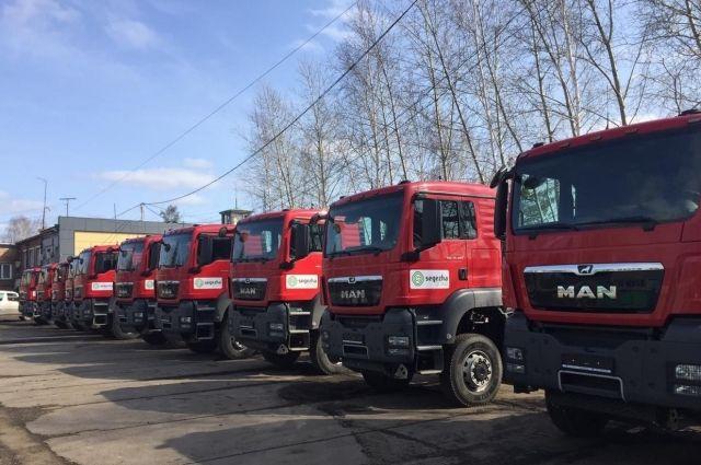 Машины поставляются в рамках инвестиционного проекта «Приобретение лесовозной техники с полуприцепами». Инвестиции составили около 140 млн руб.