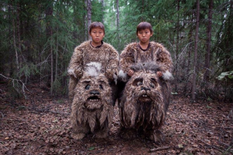 Категория «Проблемы современности» 1-е место - Сахавуд, Россия. В Республике Саха (Якутия) менее 50% населения - якуты. Для них искусство - это способ сохранения своей культуры. Здесь снимают до десяти полнометражных фильмов в год и местную киноиндустрию назвали «Сахавудом», по аналогии с Голливудом.