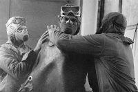 Группа ликвидаторов готовится выйти на крышу реактора Чернобыльской АЭС после катастрофы. 1986 год.