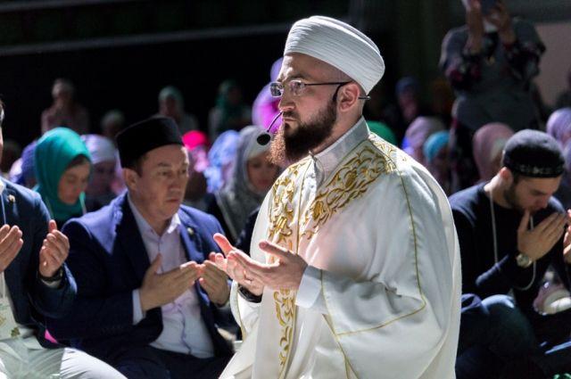 В Рамадан верующему надлежит быть рядом с мусульманской общиной.
