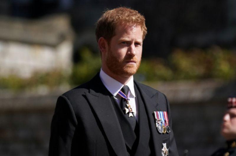 Британский принц Гарри, герцог Сассекский, приехал на похороны принца Филиппа в Виндзоре.