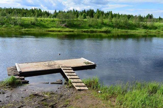В Новоорском районе на реке Большой Кумак спасли ребенка на плоту.