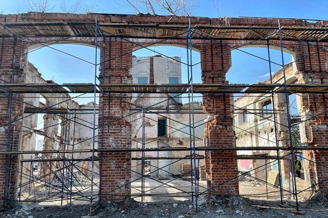 Объект культурного наследия пока в аварийном состоянии.