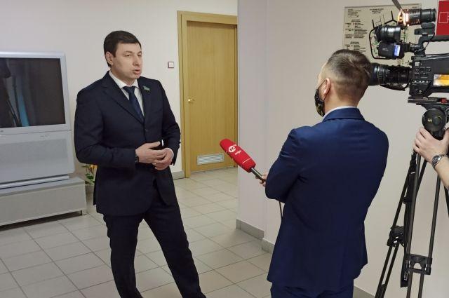 Парламентарий отметил, что главой региона Натальей Комаровой, правительством округа было принято решение о создании на базе комплекса «Югорская долина» межрегионального Центра производственной медицины