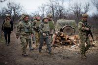 Президент Украины Владимир Зеленский посетил позиции Вооруженных сил в Донбассе. Апрель 2021 г.