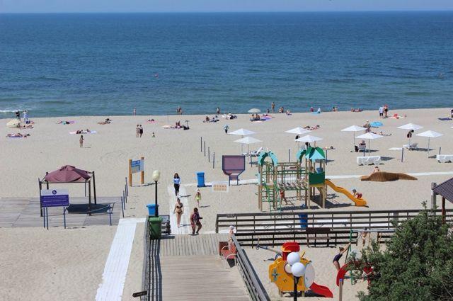 Пляжи Янтарного вновь получили международную награду «Голубой флаг»