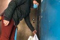Максим Майер на свои деньги купил продукты, индивидуальные средства защиты для пенсионеров.