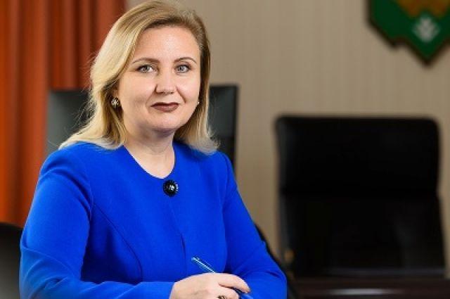 За год глава столицы Коми увеличила доход на 832 тысячи рублей.