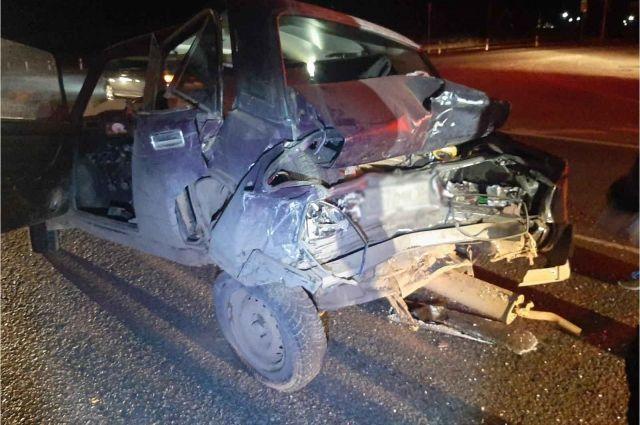 3 человека травмированы при столкновении грузовика и легковушки в Удмуртии